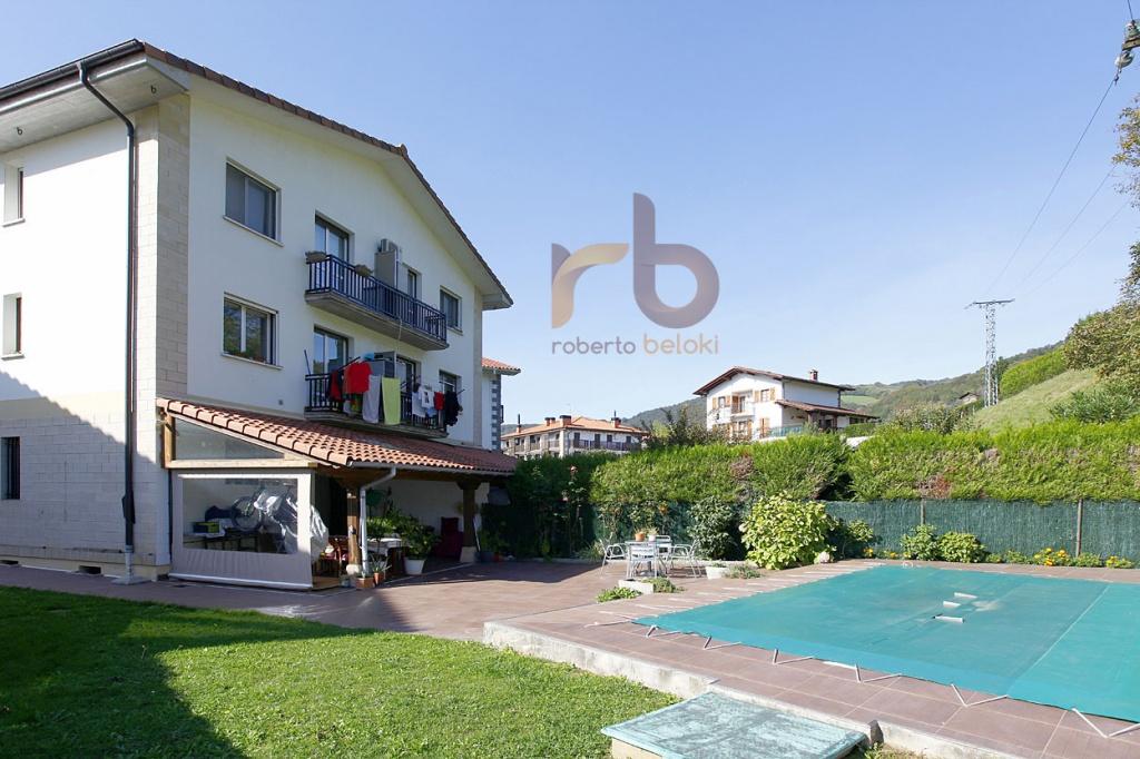 Casa, Chalet, Torre, Villa. en Venta en Bera Navarra C1173
