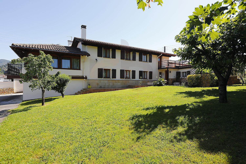 Casa + Negocio en venta en Irún Gipuzkoa, C1218