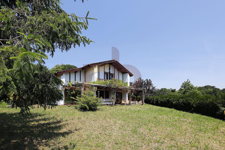 Casa en venta en Saint-Pée-sur-Nivelle, Francia FC1110